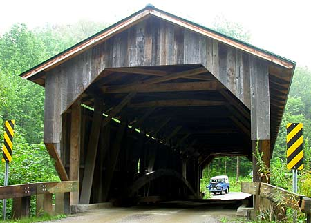 Land Rover & Covered Bridge in Vermont, USA